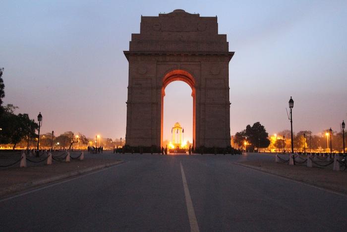 india gate morning