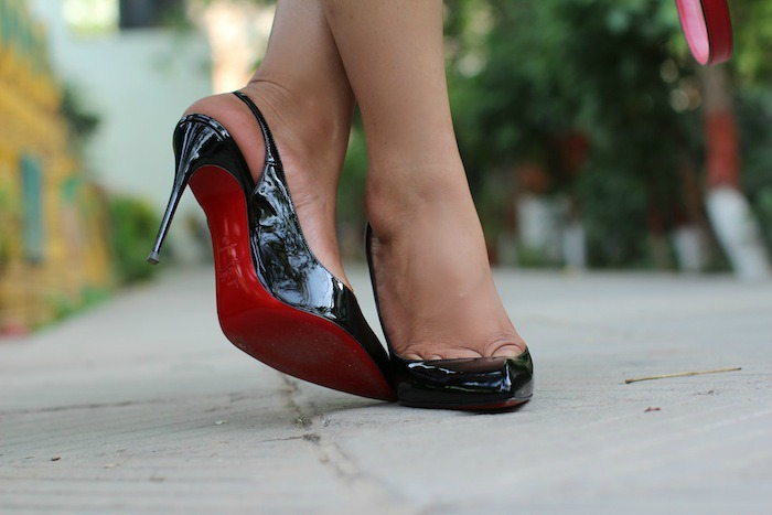 christian louboutin patent black pumps Housefull 2