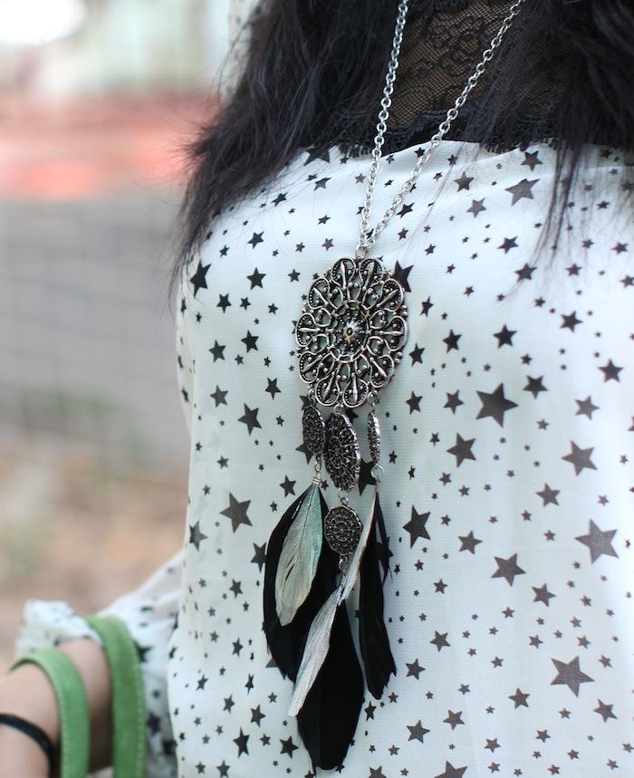 mango feathers necklace