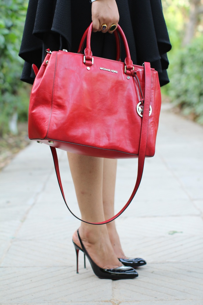 michael kors red bag Housefull 2
