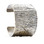 hammered effect bracelet mango