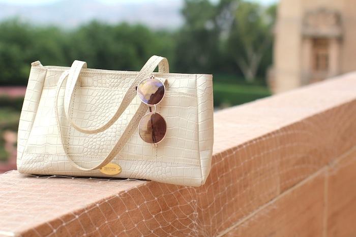 hidesign white bag