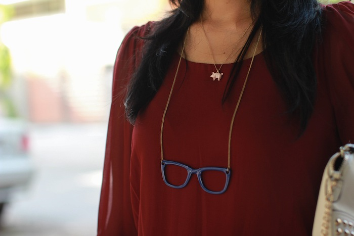 accessorize specs neckpiece