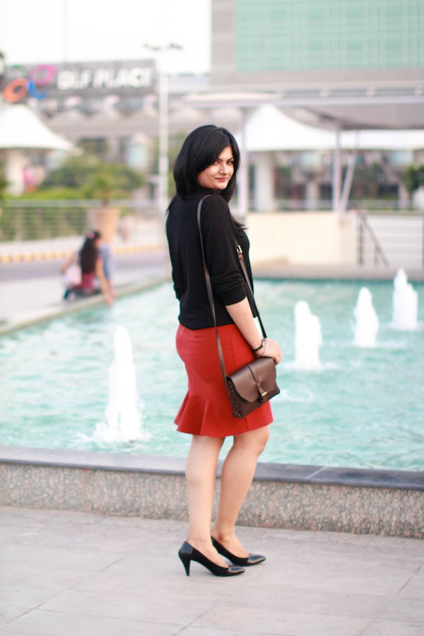 red skirt zara