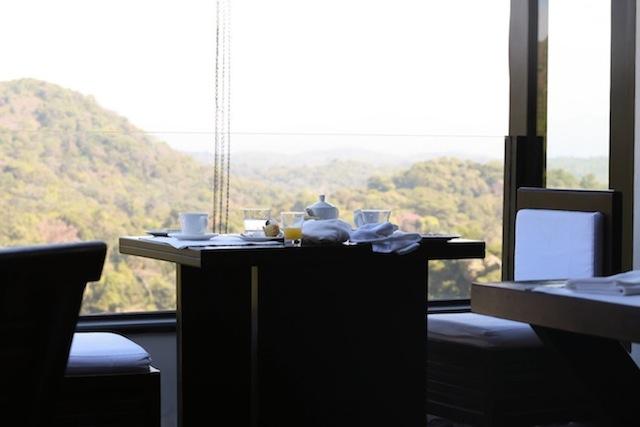 vivanta by taj breakfast