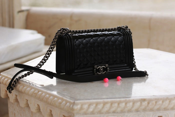 chanel-boy-bag-black-patenet-leather