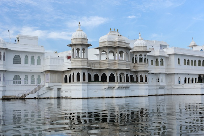 taj lake palace udaipur photos