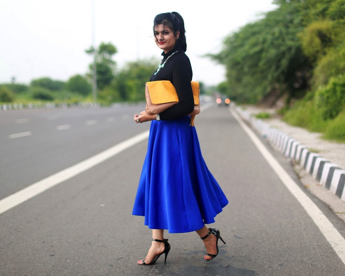 blue-midi-skirt-street-style
