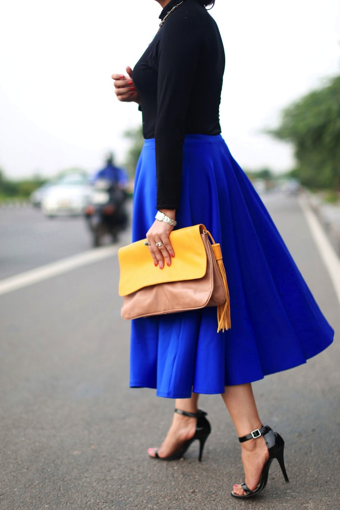 yellow-oversize-clutch