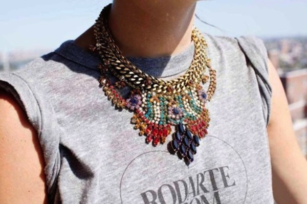 how-to-style-statement-necklace-13
