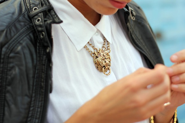 how-to-style-statement-necklace-14
