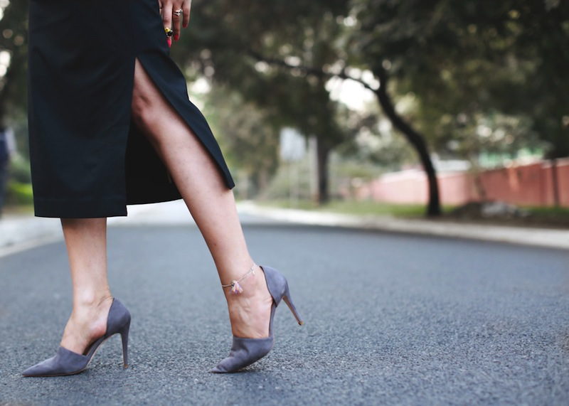 grey pumps
