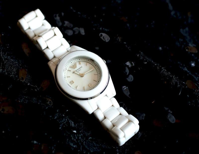 emporio-armani-white-watch