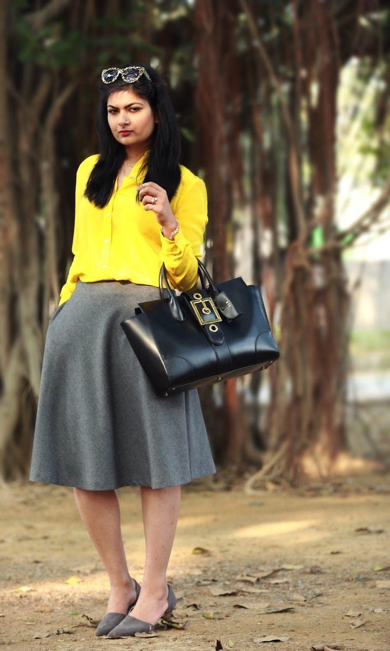 grey skirt street style