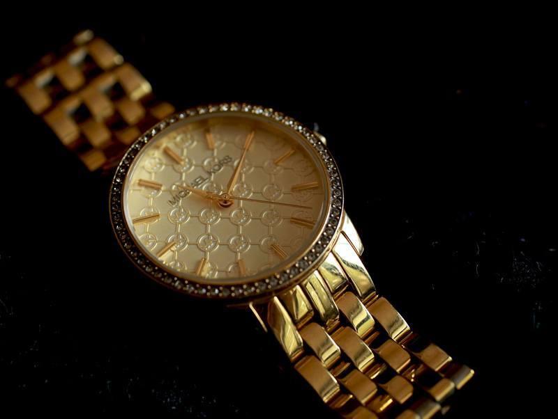 michael-kors-gold-watch