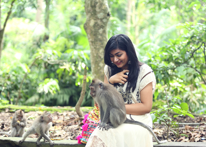 The most amazing part of the day. lol!! The second monkey was super fascinated with my bag. : P