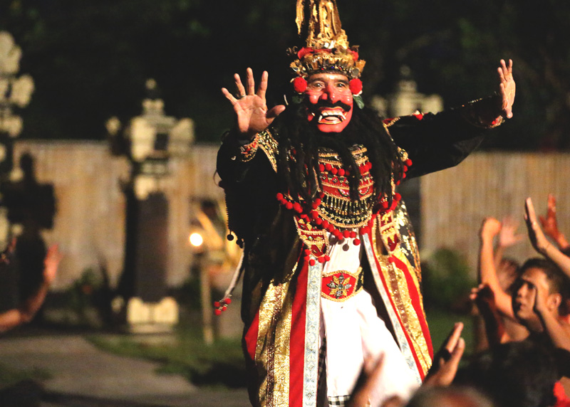 "The Ravana was very funny. He was saying "" Sita I will love you. I will kiss you. : P"""