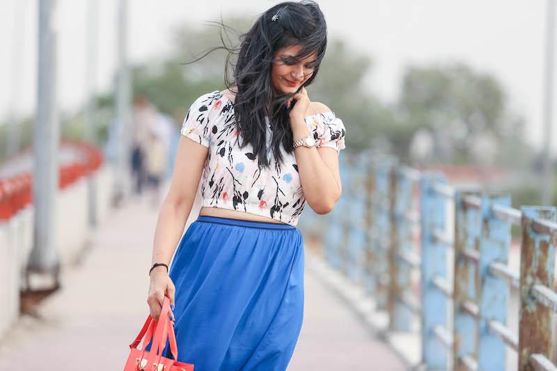 cobalt-blue-maxi-skirt-outfit-2