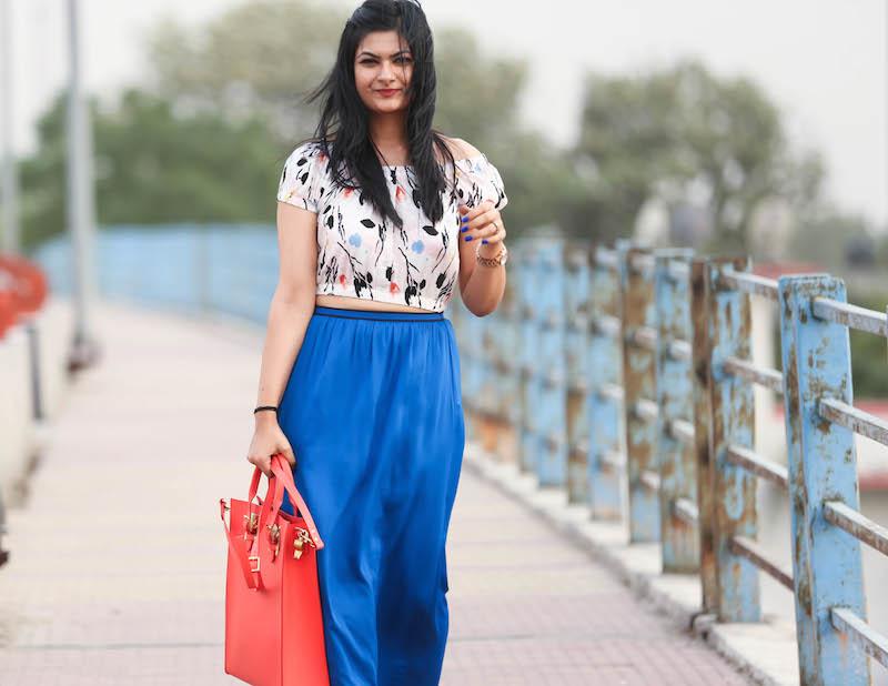 cobalt-blue-maxi-skirt-outfit-3