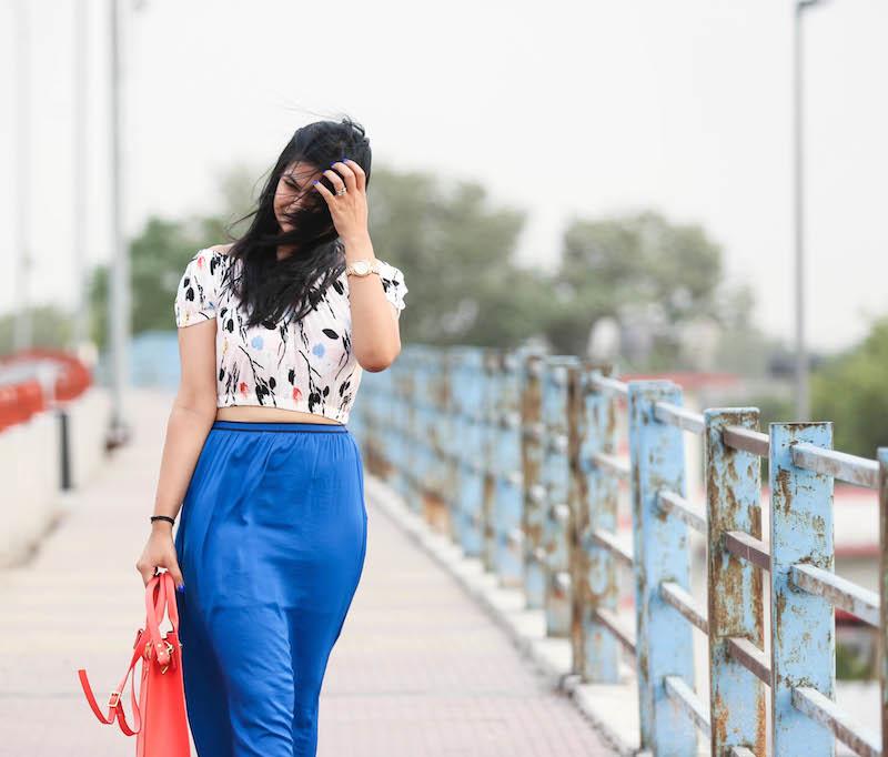 cobalt-blue-maxi-skirt-outfit-4
