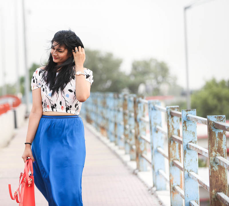 Cobalt blue maxi skirt outfit look
