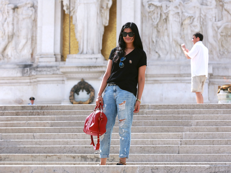 Started by posing at Piazza de venezia
