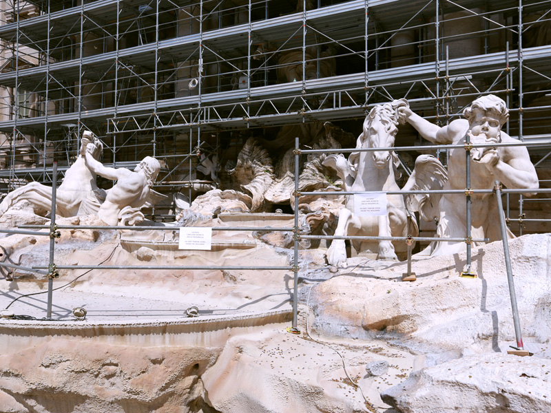 Fontana Di Trevi, which is under construction