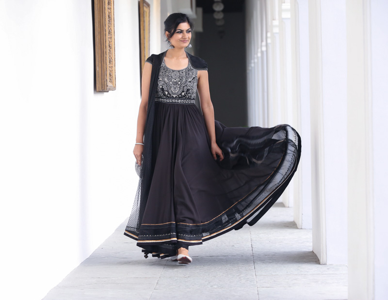 tarun tahiliani anarkali black