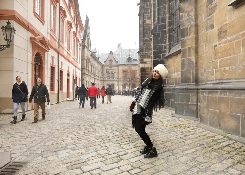 castle posing! : D