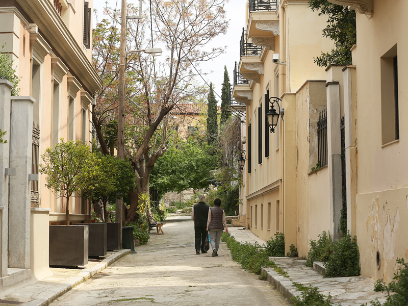 Pláka is the old historical neighbourhood of Athens, clustered around the northern and eastern slopes of the Acropolis, and incorporating labyrinthine streets and neoclassical architecture.