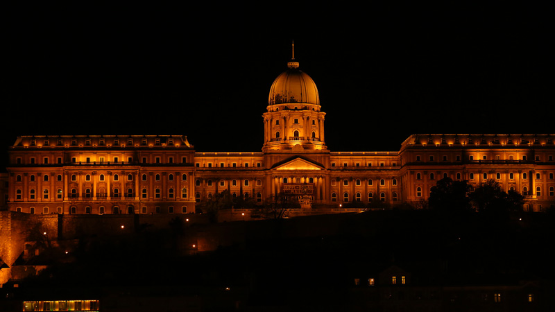 Buda castle by night!