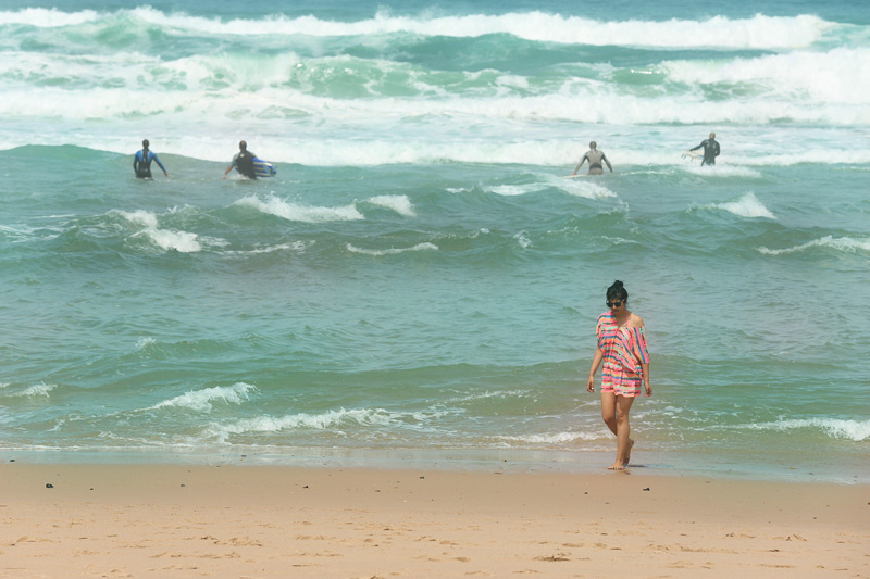 I almost got scared seeing this pic. The waves were massive behind me! : P