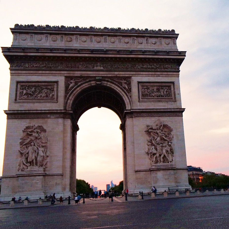 evenings at arc de triomphe