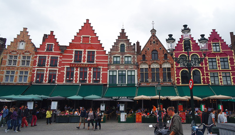 the first view of brugge in market square
