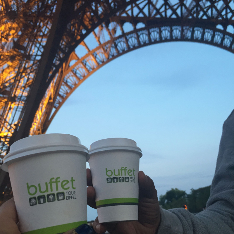 coffee right under the eiffel tower!