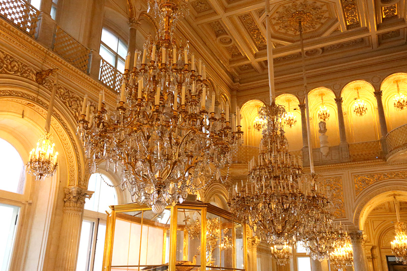 the chandelier heaven!